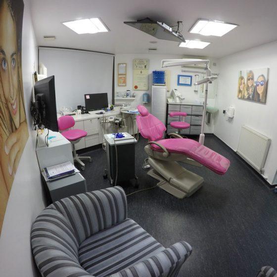 Pink dentist chair at Blythe Road Dental